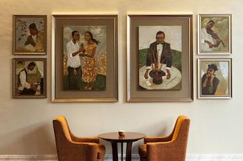Raffles Makati Hotel Bar
