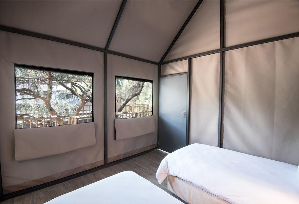 Arebbusch Travel Lodge, Windhoek West