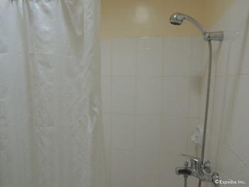 Days Hotel Cebu - Toledo Bathroom Shower