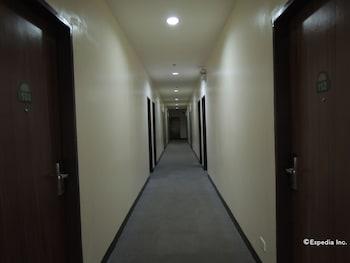 Days Hotel Cebu - Toledo Hallway