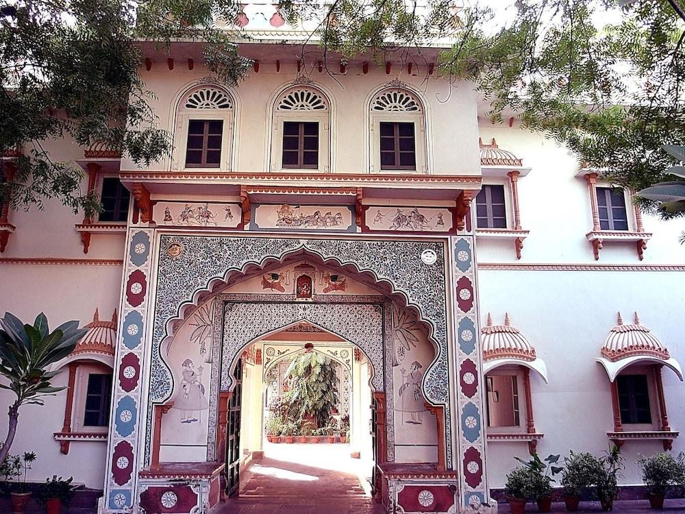 Palkiya Haveli - A Heritage Home