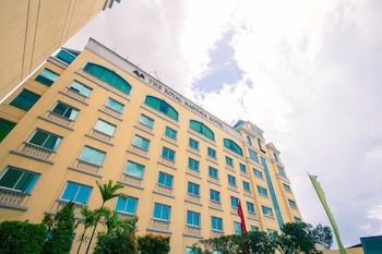Hotel - The Royal Mandaya Hotel