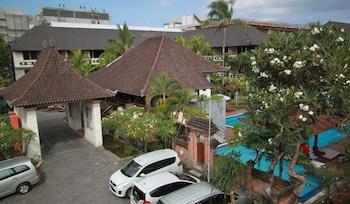 Bakungs Beach Hotel - Parking  - #0