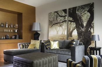 Master Suite, One King Bed