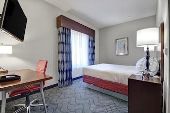 Family Suite, 2 Queen Beds, Non Smoking