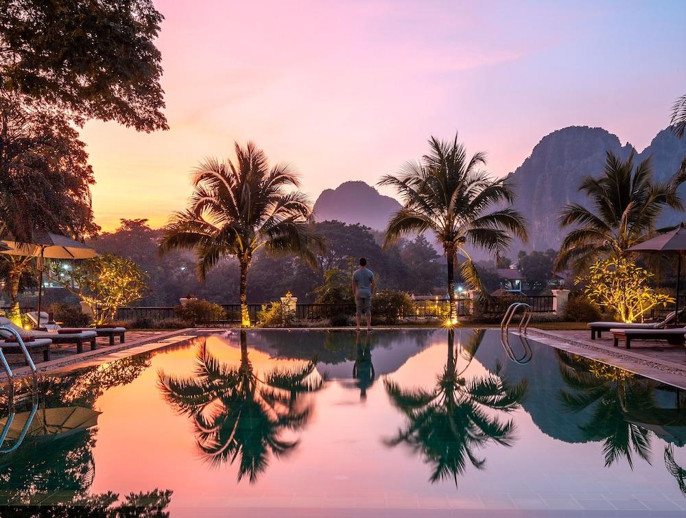 https://i.travelapi.com/hotels/6000000/5450000/5449500/5449469/2b8eec92_z.jpg