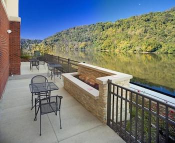 賓夕法尼亞匹茲堡水濱西霍姆斯戴德歡朋套房飯店 Hampton Inn & Suites Pittsburgh/Waterfront-West Homestead,PA