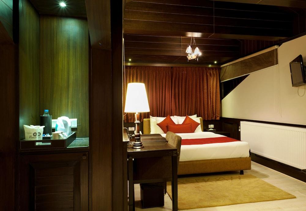 https://i.travelapi.com/hotels/6000000/5460000/5454400/5454344/c4535570_z.jpg
