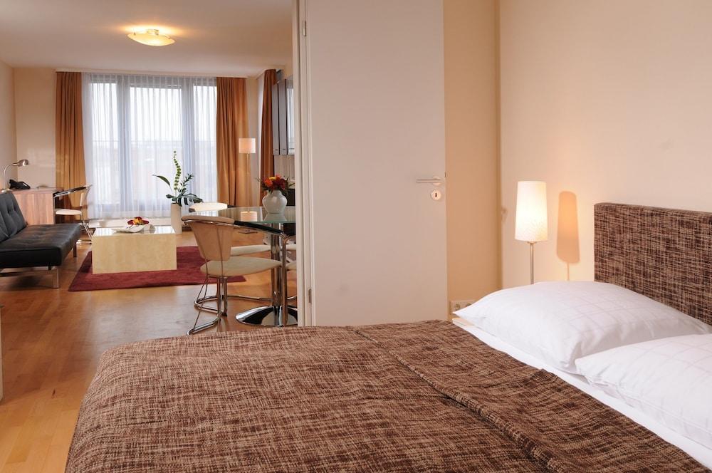 アパートホテル レジデンツ アム ドイチェン シアター