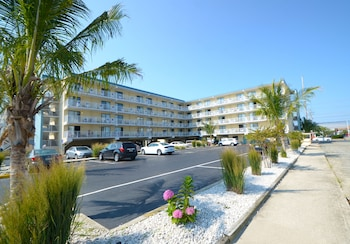 Hotel - Coastal Palms Inn & Suites