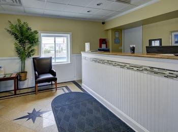 Lobby Sitting Area at Coastal Palms Inn & Suites in Ocean City