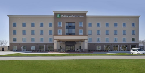 . Holiday Inn Express Hotel & Suites Forrest City