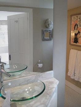 Green Acres B&B - Bathroom  - #0