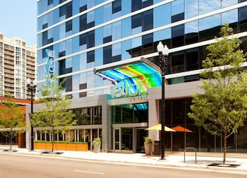 Hotel - Aloft Chicago Downtown River North