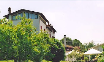 Hotel La Rocca, Featured Image