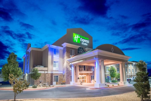 . Holiday Inn Express Hotel & Suites Hobbs