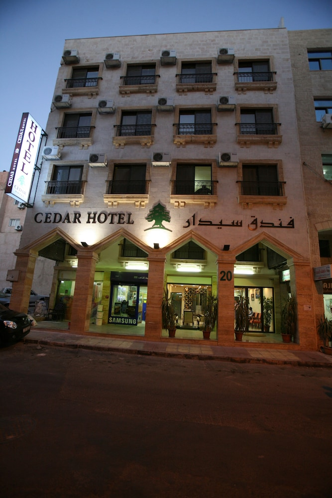 Cedar Hotel, Featured Image
