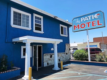 Patio Motel 2 1 Miles From Avalon El Segundo Senior Apartments