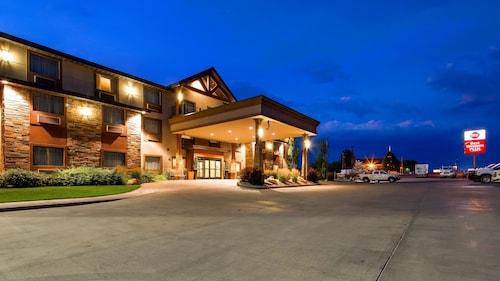 . Best Western Plus Landmark Hotel