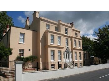 . Manor House, Felpham Serviced Apartments