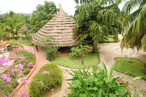 Afrikiko Riverfront Resort, Asuogyaman