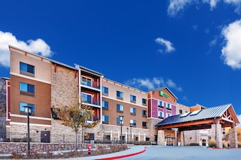 杜蘭戈中心快捷假日&套房飯店 Holiday Inn Hotel & Suites Durango Central
