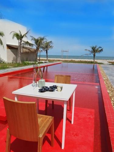 Red Z The Ocean, Muang Phetchaburi