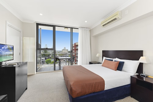 . Macquarie Waters Boutique Apartment Hotel