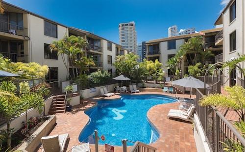 Aussie Resort, Burleigh Heads