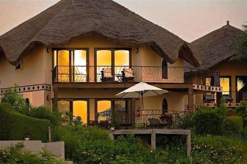 Les Alizes Beach Resort, Oussouye