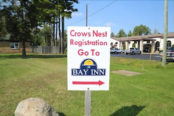 Crows Nest Inn Tawas