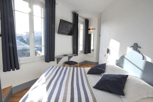 . Hôtel des Falaises