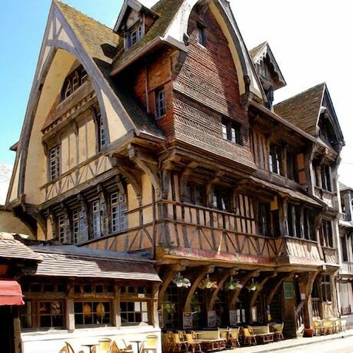 . Hôtel La Résidence Manoir de La Salamandre
