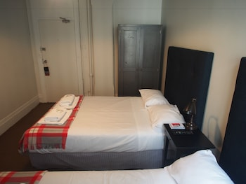 Guestroom at Grand Hotel in Sydney