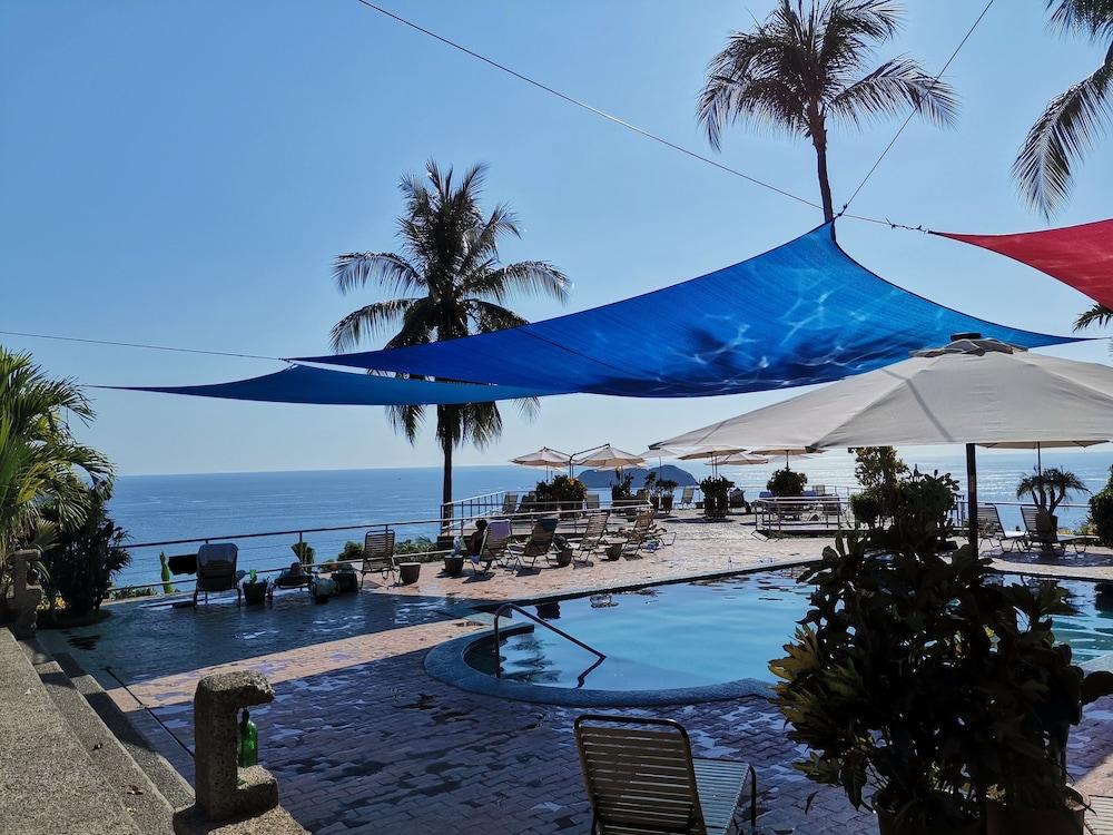 https://i.travelapi.com/hotels/6000000/5590000/5581000/5580910/ec1b15b1_z.jpg