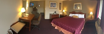 Deluxe Suite, 1 King Bed with Sofa bed, Non Smoking