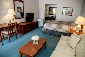 Suite, 1 Queen Bed with Sofa bed