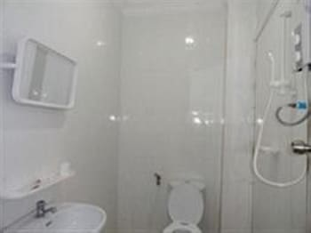 Golden River Palace Guesthouse - Bathroom  - #0