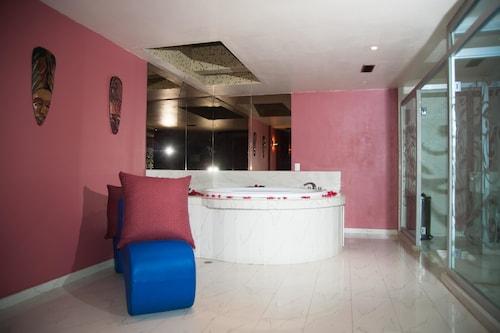 Hotel Aladdin Caracas - Couples Only, Libertador
