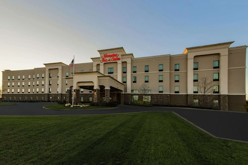 . Hampton Inn & Suites Wheeling-The Highlands, WV
