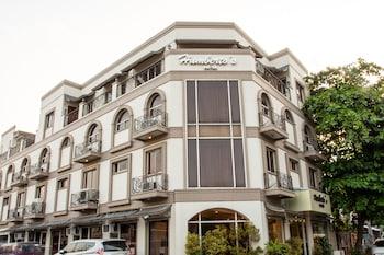 Humberto's Hotel Davao Exterior