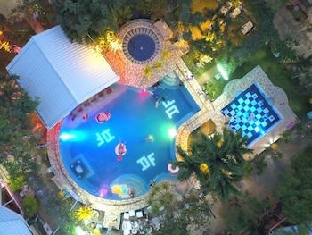 ディープ フォレスト ガーデン ホテル
