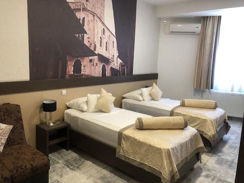. Hotel Hercegovina