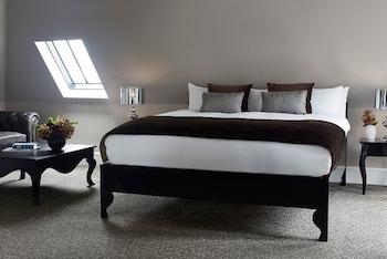 The Westbridge Suite