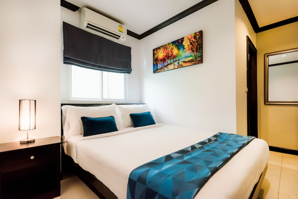 Hallo Patong Hotel & Restaurant, Pulau Phuket