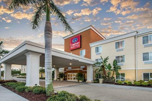 . Comfort Suites Sarasota - Siesta Key