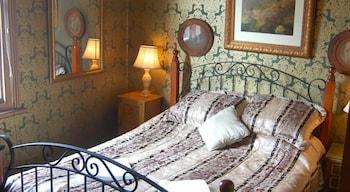 Standard Suite, 1 Bedroom, Non Smoking, Shared Bathroom (Room 6)