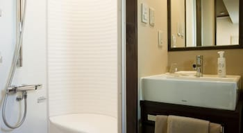 OCHANOMIZU HOTEL SHORYUKAN Bathroom Shower