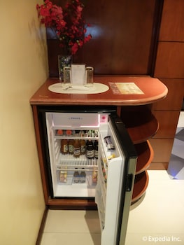 Fields Walking Street Hotel Pampanga Mini-Refrigerator