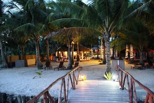 . Cooper's Beach Resort